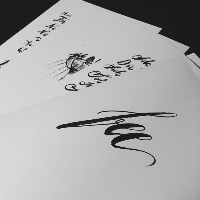 Drucke von jeannette Mokosch auf schwarzem Hintergrund