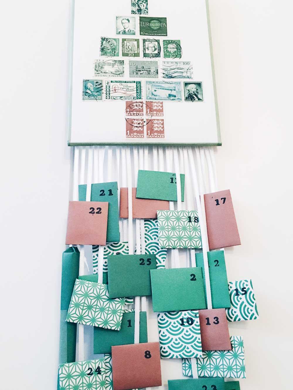 Adventskalender aus und mit Briefmarken