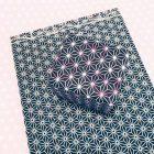 Buch und Geschenk mit japanischem Muster