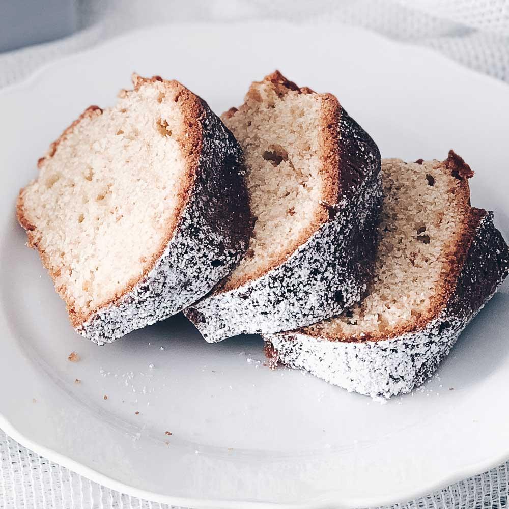 Kuchenstücke gebacken mit Traubensaft