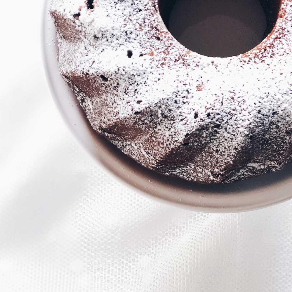 Kuchen mit Saft verfeinern