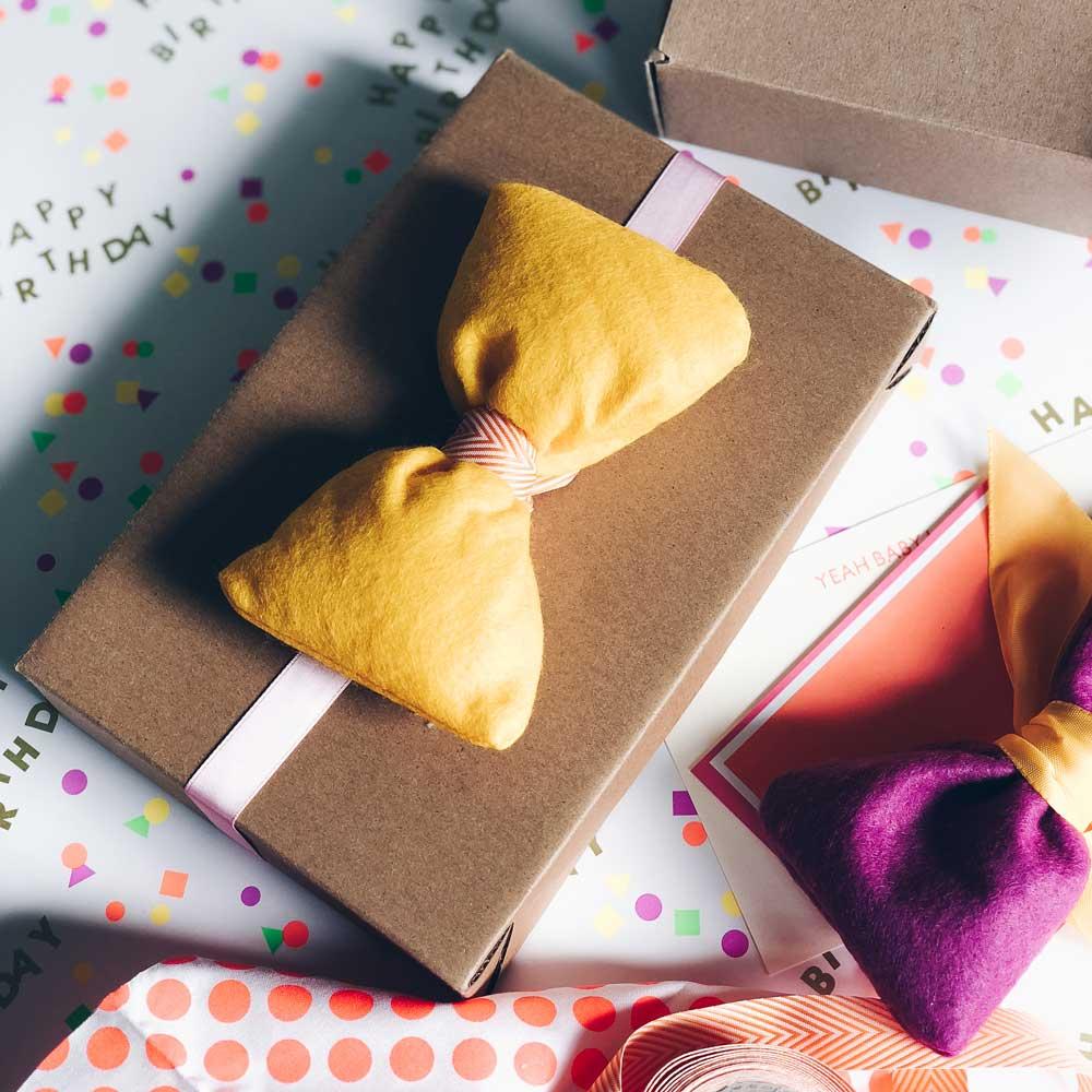 Geschenkverpackung mit Filz und Stoff
